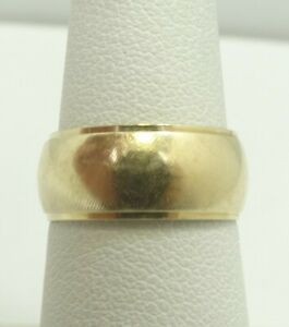14K-Yellow-Gold-Textured-Domed-7-8mm-Wedding-band-Ring-Sz5-5-5-1-Grams-D7699