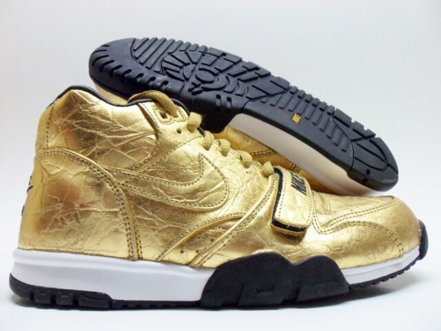 401a7db56ad9 Nike Air Trainer 1 PRM QS NFL Gold Super Bowl Basketball Leather Medium  Solid 7.5 Metallic Gold mtllc Gold-blk