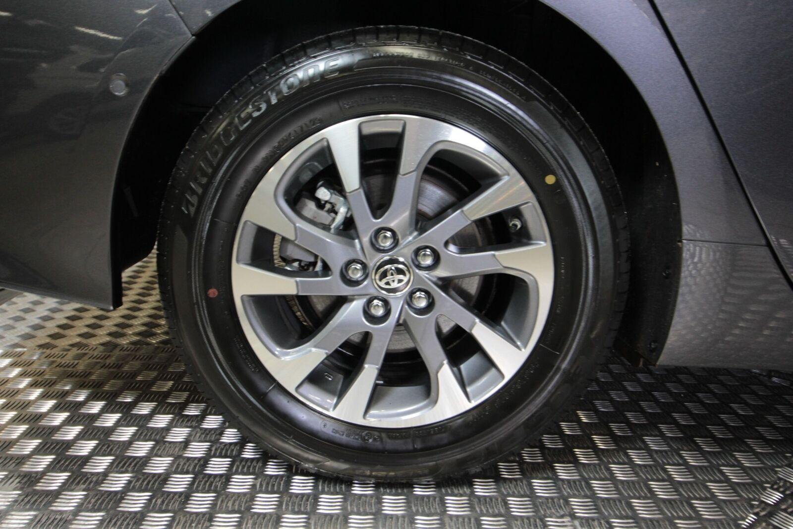 Toyota Prius Plug-in Hybrid H4 MDS