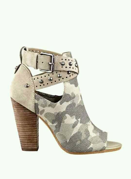 GUESS BAGENT CUTOUT STUDDED CAMO MILITARY ANKLE BOOTIES SIZE 5