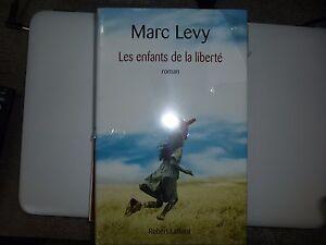 Neuf-les-enfants-de-la-Liberte-Marc-Levy