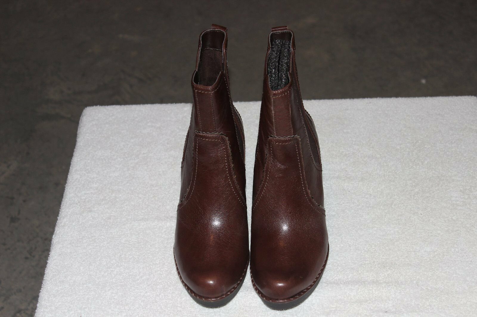 Rockport womens Anevia Chelsea boot K71965 size 8M