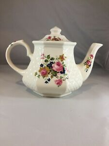 Vintage-Windsor-Rose-Octagonal-Teapot-w-Basket-Weave-Made-in-Sadler-England-C3
