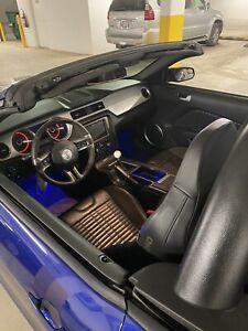 2013 Ford Mustang recaro leather