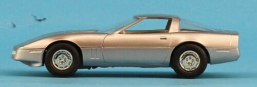 AMT 1:25 1:24 1984 Corvette Silver Built Model #5-8393