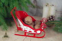 Holly Decorated Metal Sleigh Christmas Table Decoration 16cm (B18)
