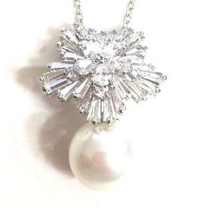 Gorgeous large white akoya pearl diamond pendant necklace 18 image is loading gorgeous large white akoya pearl diamond pendant necklace mozeypictures Images
