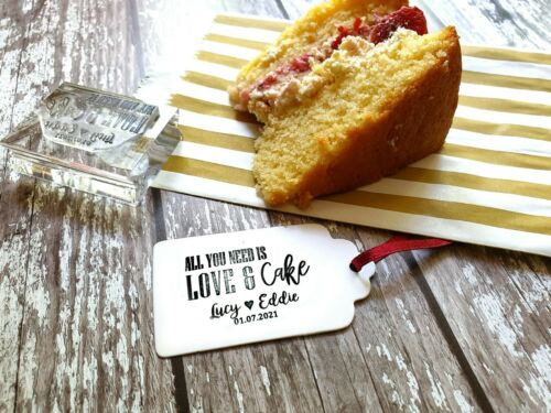 All you need is love et gâteau mariage faveur Personalised STAMP
