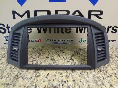 05-06 Jeep Grand Cherokee New Navigation GPS NAV Radio Bezel Gray Mopar Oem