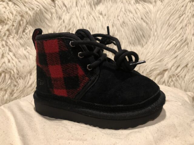 Gently  Used BOYS Toddler Sz 9 BLACK/RED UGG  PLAID CHUKKA BOOTS