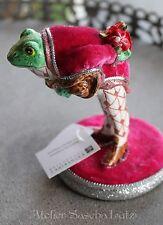 Katherine´s Collection kleiner Frosch Kavalier mit Frack rot 11cm handbemalt NEU