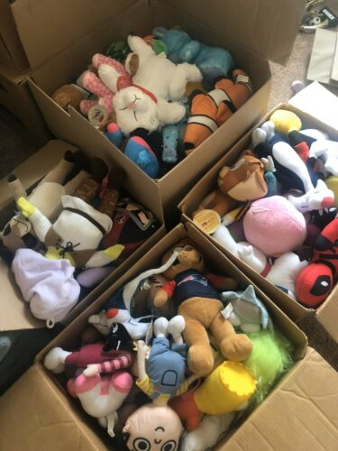 Brand New Plush Mix 50/% Licensed 26pc Lot No Repeats All With Tags $2.50 Avg