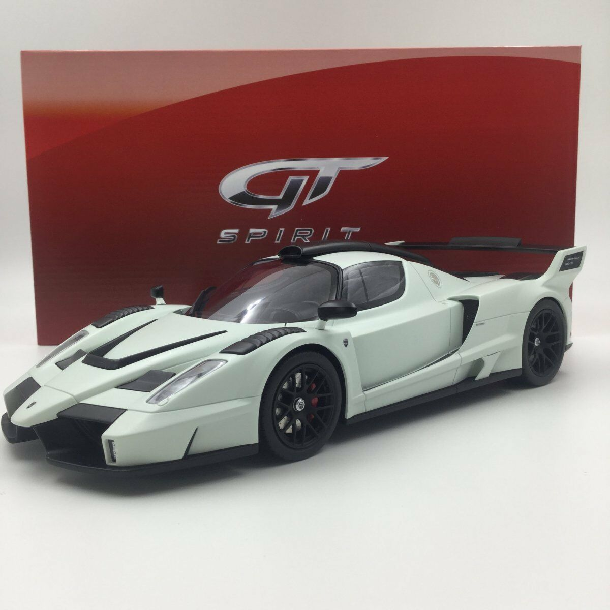 Resin Car Model GT Spirit Ferrari Gemballa MIG-U1 1 18 (White) + GIFT