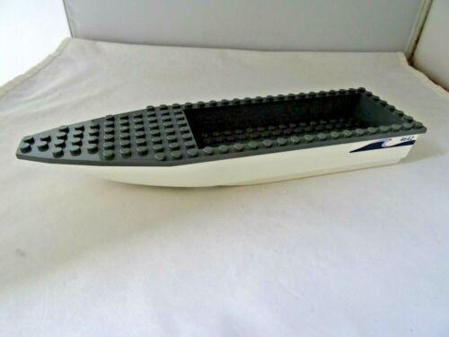 LEGO PART 92710C01 WHITE 28 x 8 BOAT HULL WITH STICKER 4642  /& DARK GREY DECK