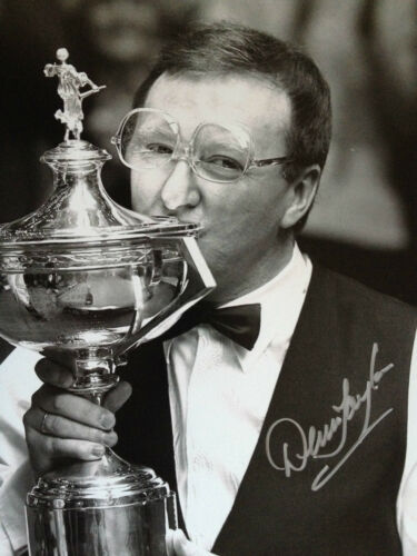 DENIS TAYLOR TOP IRISH SNOOKER PLAYER SUPERB SIGNED BW PHOTO
