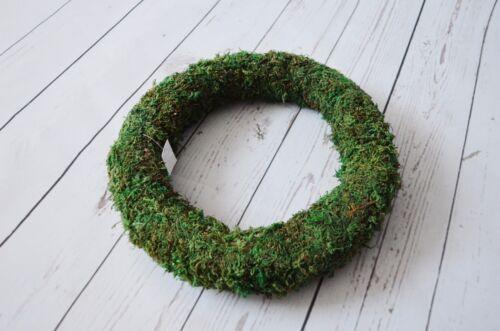 Green Padded Moss Effect wreath ring 25cm