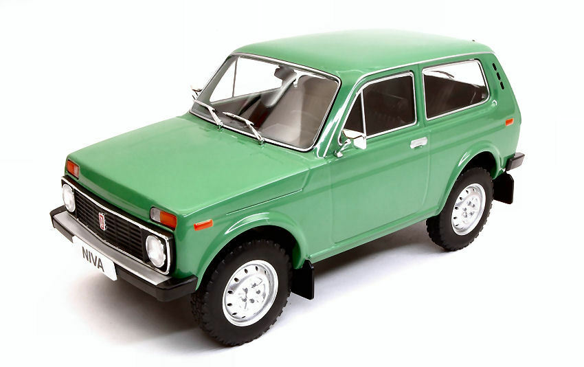 Lada Niva verde 1 18 Model MODELCocheGROUP