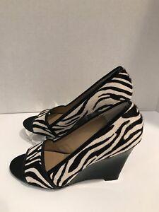 Michael-Kors-Wedge-Heel-Zebra-Haircalf-Black-Patent-Leather-Open-Toe-Size-7-5M