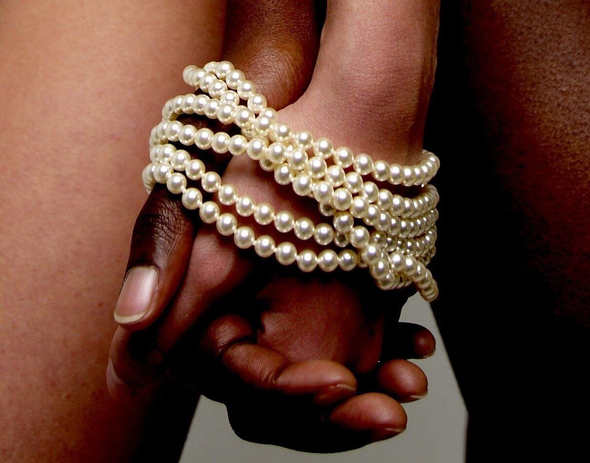 BRACLI Perlencollier ATAME schwarz oder creme zur Auswahl | Online Outlet Store  | Starke Hitze- und Hitzebeständigkeit  | Preisreduktion  | Zarte  | Verpackungsvielfalt