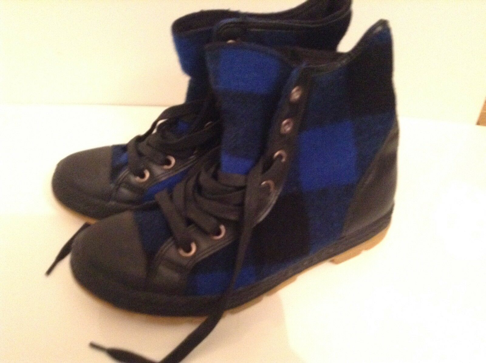 BN 100% Auth Converse, Woolrich Limited Edition, Flannel High Tops Trainers 8