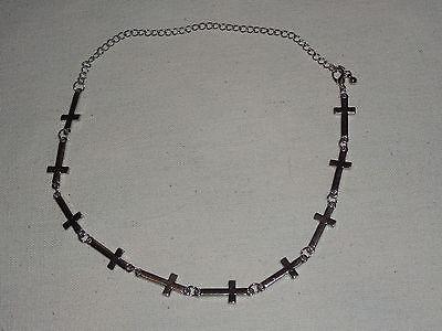 collier ras de cou avec croix horizontal