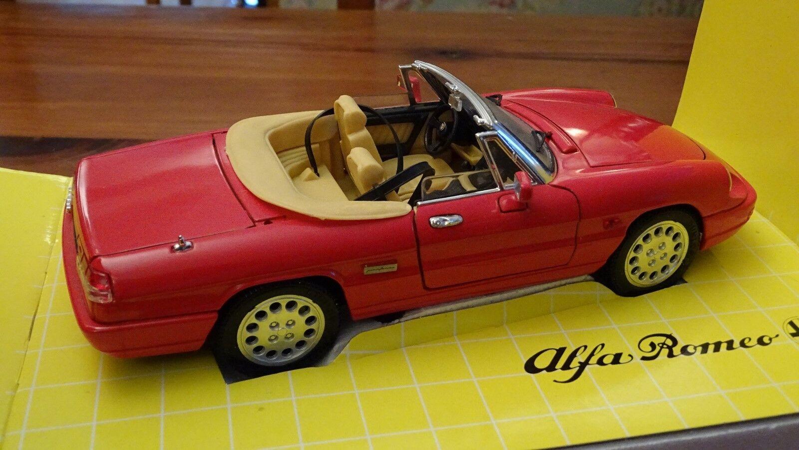 1 18 Alfa Romeo Spider Spyder Roadster 2.0 L RARE rouge Cuir Crème JOUEF