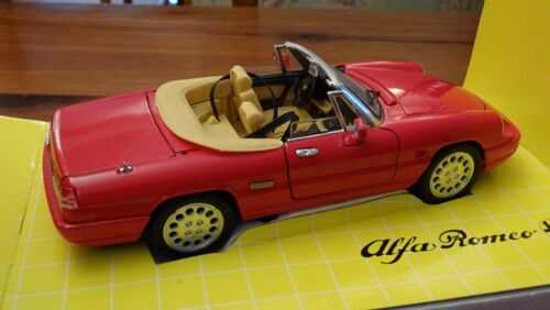 118 Alfa Romeo Spider Syder Roadster 2.0 Litre Rare Rosso Cream Leather Jouef