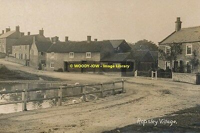 rp10447 - Ropsley Village ,  Lincolnshire - photograph 6x4