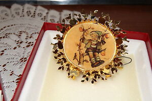 1986 THE HUMMEL GOLD CHRISTMAS ORNAMENT COLLECTION