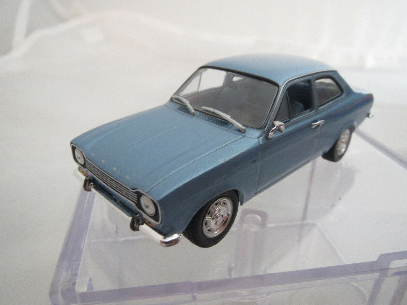 Minichamps Ford Escort I 1 43, top