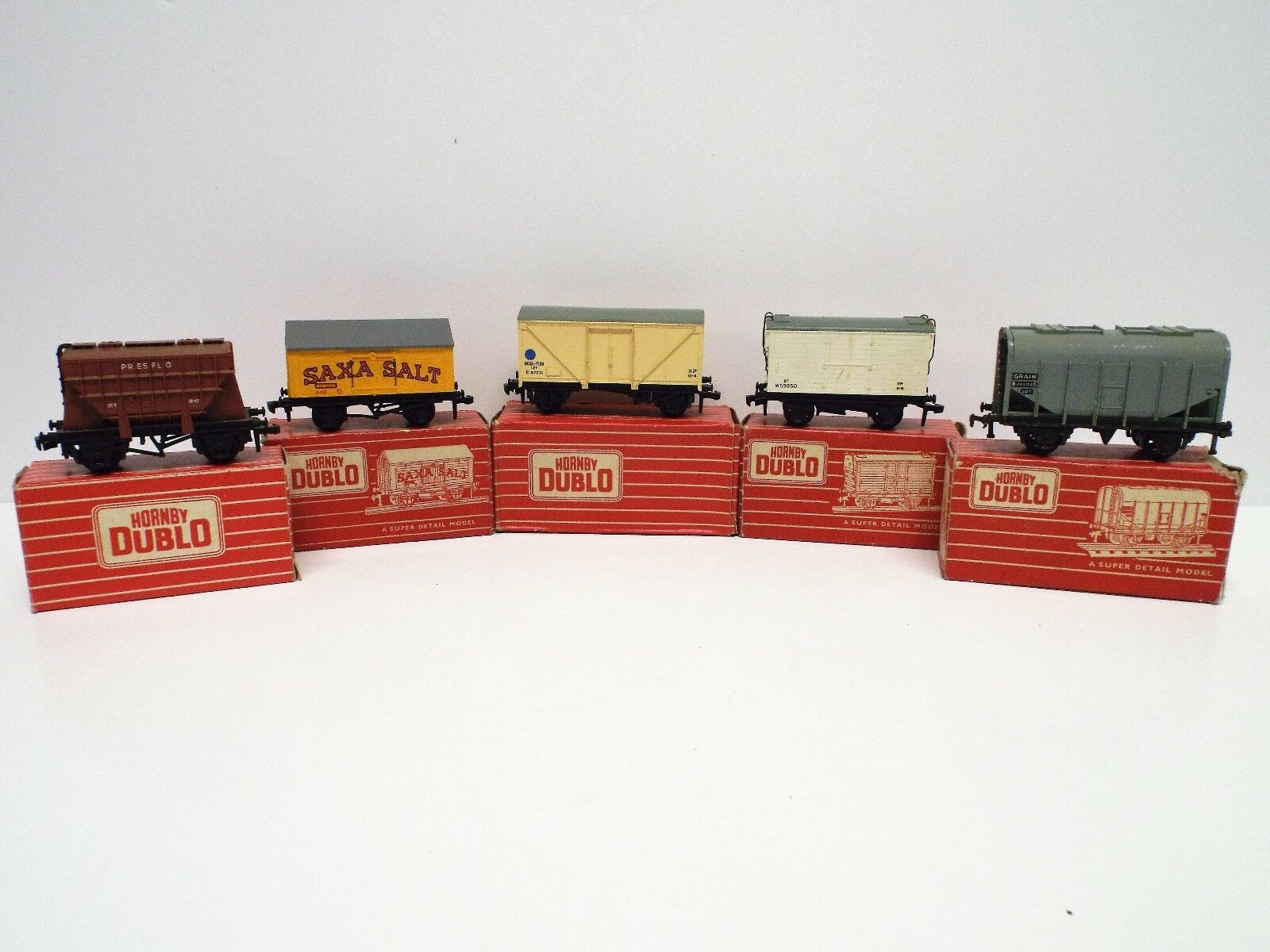 HORNBY DUBLO 2 3-RAIL JOB LOT OF 5 X WAGONS ALL BOXED (C381)