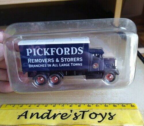 Days Gone ~ Collectible die cast model ~ issue 101937 Scammell Pickfords ~ Blister