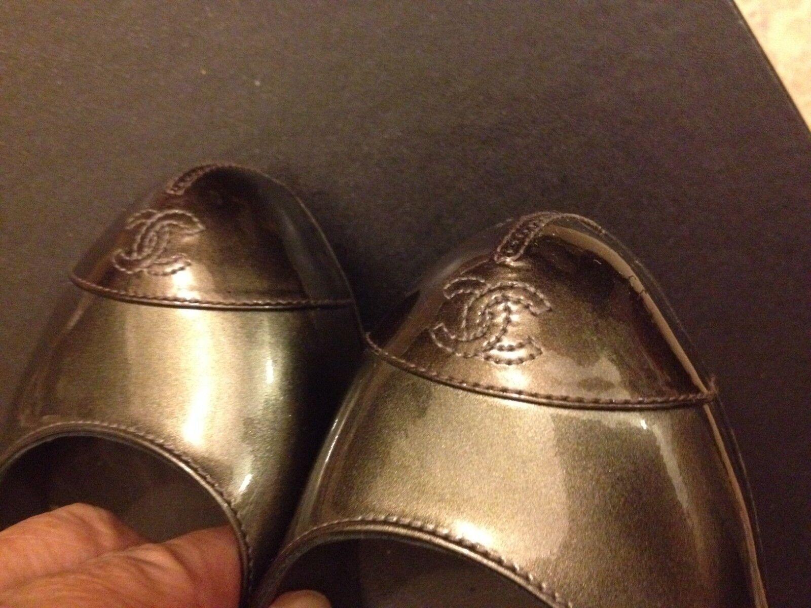 CHAEL RUNWAY CC LOGO ELEGANT CLASSIC PAT LEHER STILETTO  PUMP scarpe 37  950  ti renderà soddisfatto