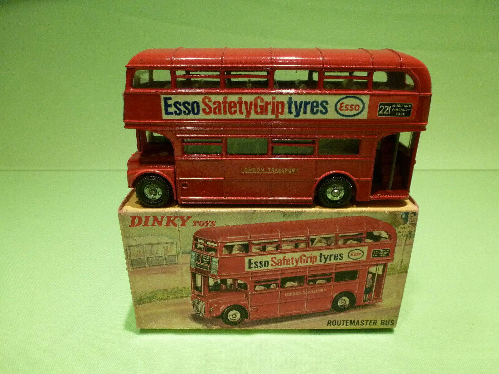 DINKY TOYS  289 ROUTEMASTER BUS - ESSO TYRES - RARE SELTEN - NEAR MINT IN BOX