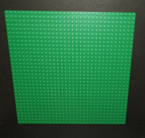 Genuine LEGO 32x32 peg Baseplate Green P//N 3811