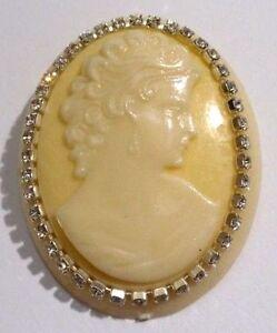 Broche Bijou Vintage Camée Buste Femme Moulé Relief Cristaux Diamant Blanc 33