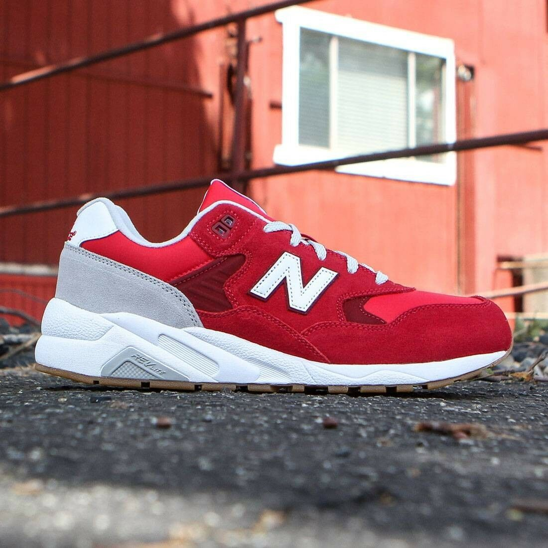 NEW IN BOX! BALANCE Uomo NEW BALANCE BOX! NB 580 ROSSO RUNNING CASUAL SCARPE MRT580MB SIZE 7-11 0fd487