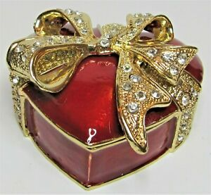 HEART Shaped Xmas Box From Arora Craycombe Christmas Trinkets