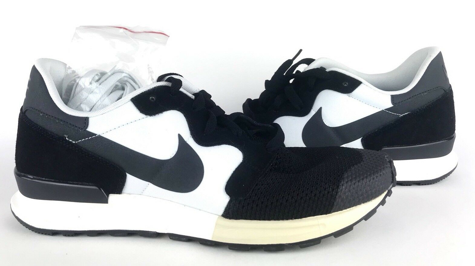 Nike Air Berwuda Retro With Shoe Bag Black White 555305-003 Size 10