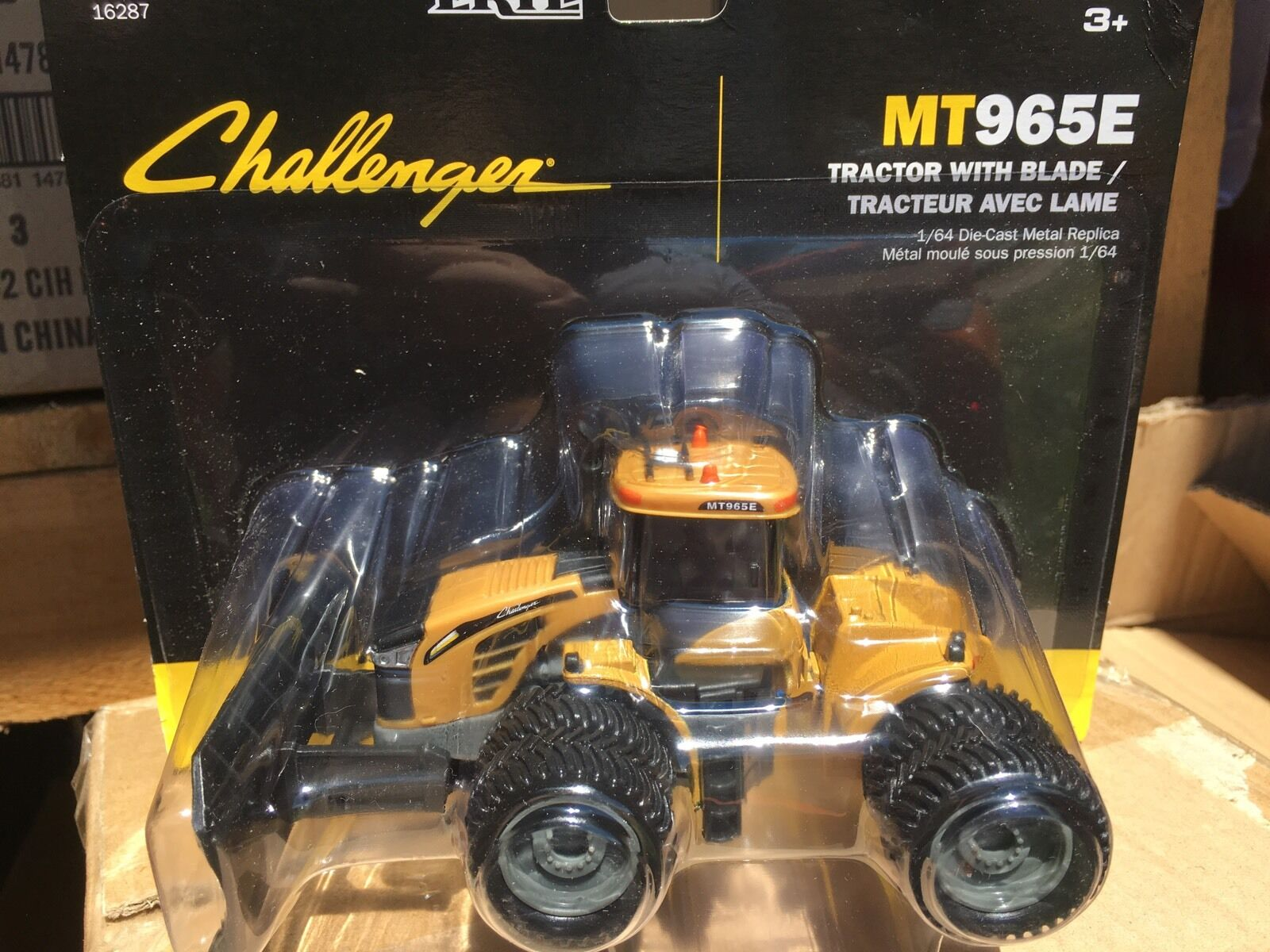 ERTL 1:64 Challenger Challenger Challenger MT965E 4WD Tractor   w/  Front Blade. 25d292