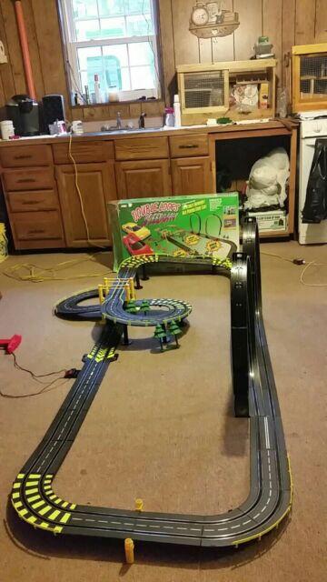 ARTIN Double Loop's Speedway 38 ft   Please read description