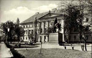 Szekesfehervar-in-UNGARN-Postkarte-gebraucht-Gebaeude-am-Stephansplatz-s-w-AK