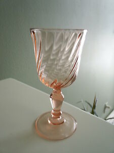Cris-d-039-Arques-France-ROSALINE-PINK-Rose-Swirl-Optic-5-3-4-034-Wine-Glass-Goblet-EC