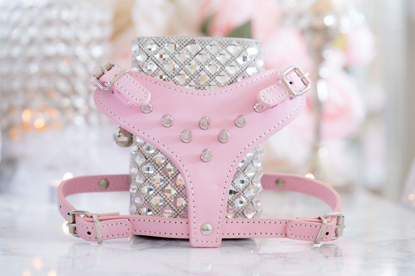 per offrirti un piacevole shopping online NEW  Luxury Vegan rosa Spike Pet Harness & & & Leash Set - Dogs, Cats, Pets  colorways incredibili