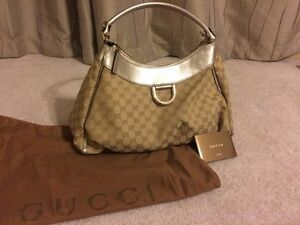 c3ca88e9d689 Image is loading Authentic-Gold-Gucci-D-Ring-Hobo-Tote-Carry-