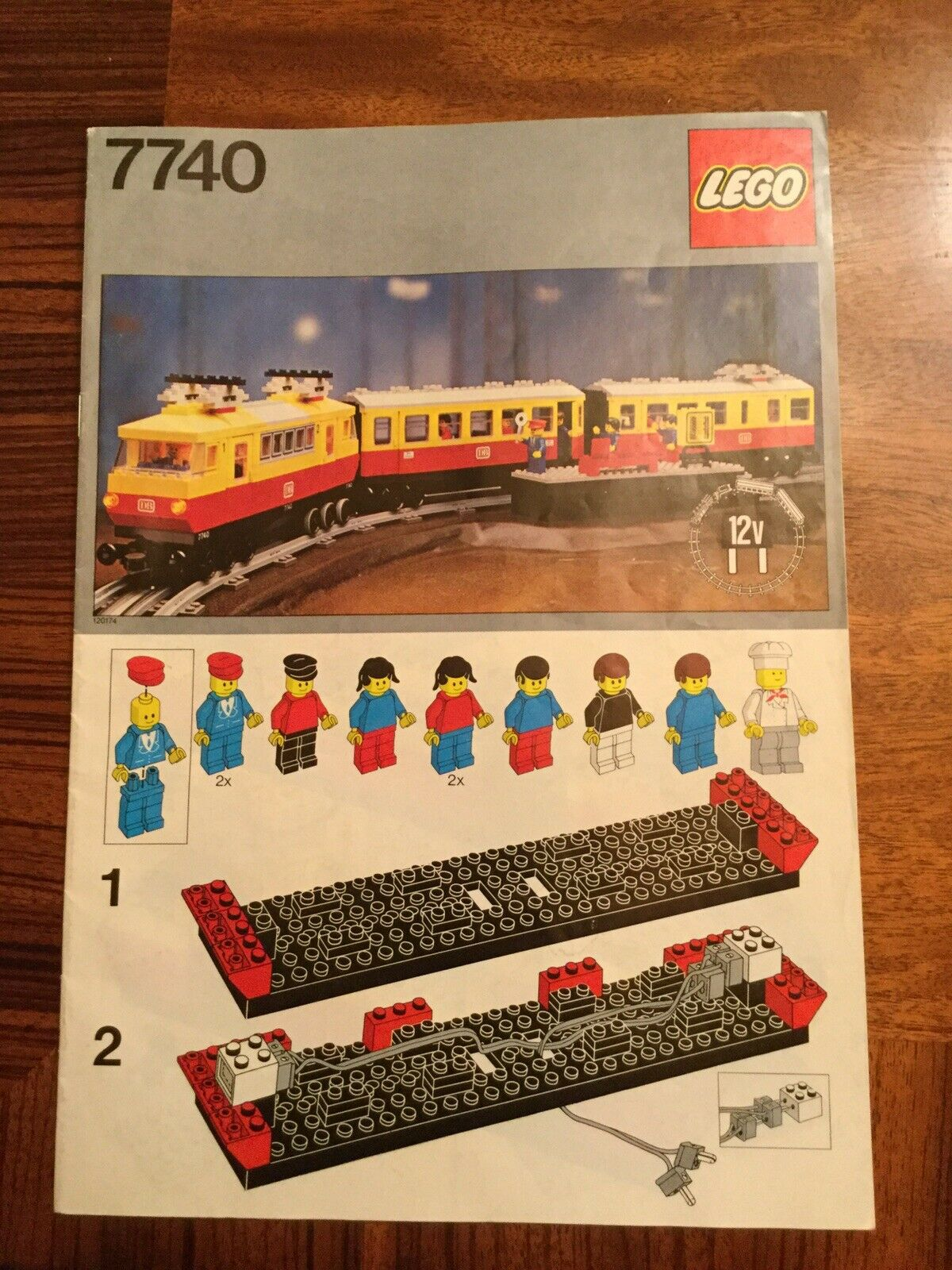 LEGO Inter-città  Passenger Train 7740  goditi il 50% di sconto