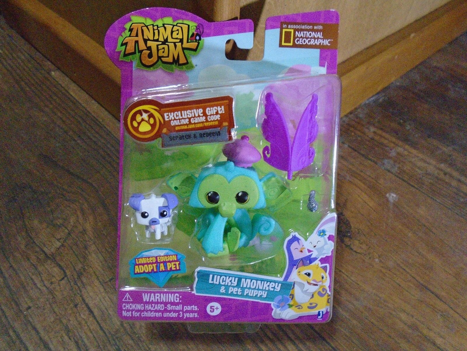 Animal Jam Lucky Monkey Figure Collectable Kids Toy With Game Code /& Acessories
