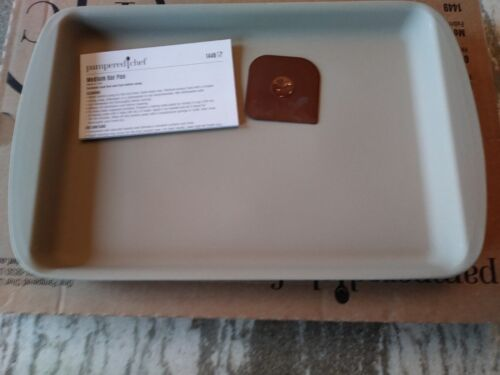 Pampered Chef Mint Condition Stoneware Medium Bar Pan FREE SHIPPING #1449 USA!
