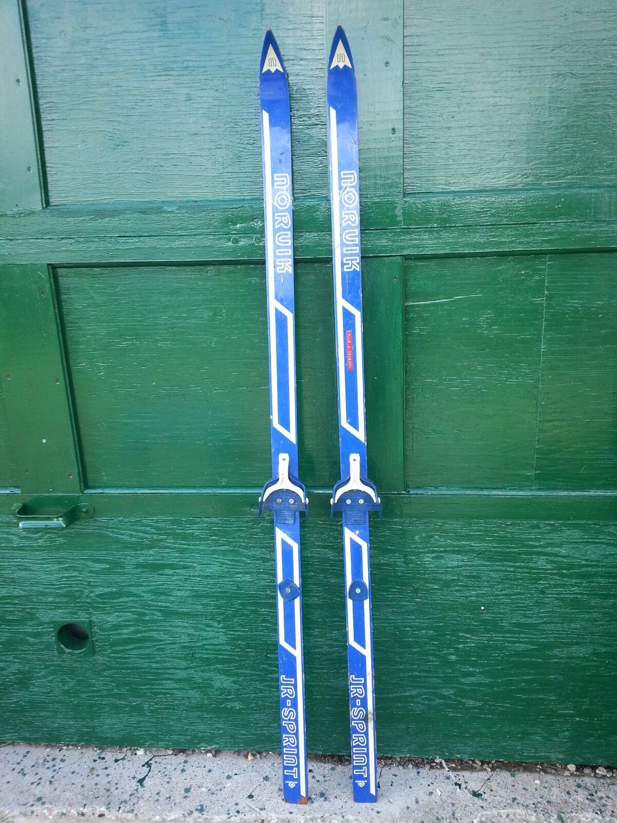 VINTAGE Wooden  62  Skis with White and bluee Finish and Signed NORUIK  authentic online