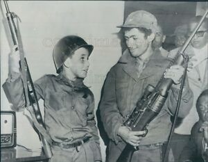 1958 Press Photo Fidel Castro Jr Holding Gun 1950s Cuba | eBay